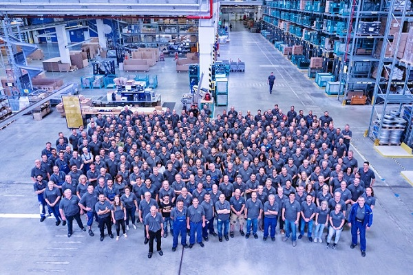 The SpareParts LogisticsCentre společnosti EvoBus GmbH je největší světový centrální obchod s autobusovými díly (foto: Daimler Bueses)
