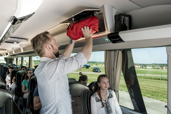 Moderním a současně nadčasovým způsobem vyjadřuje přepracovaný MAN Lion´s Coach počátek nové designové éry (foto: MAN)