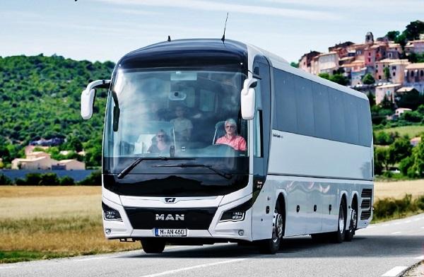 Společnost MAN Truck & Bus představila tento týden nejnovější model zájezdového autokaru MAN Lion's Coach. (foto: MAN)