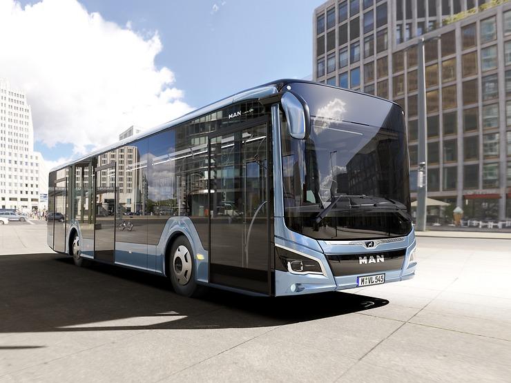Zvenku hovoří tento městský autobus nezaměnitelným způsobem novým designovým jazykem autobusů MAN (foto: MAN)