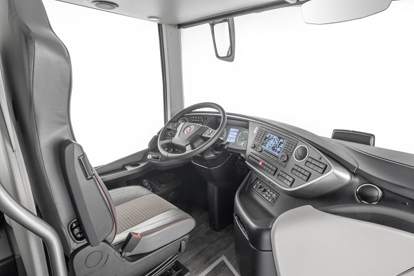 Nová Setra S 531 DT TopClass (foto: Daimler Buses)