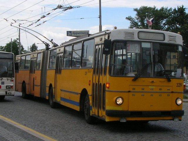 Trolejbus Škoda Sanos číslo 329 (foto: DPMP)