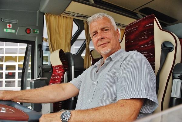 Ing. Jozef Bakoš, obchodní zástupce pro prodej autobusů ISUZU na Slovensku (foto: Zdeněk Nesveda)