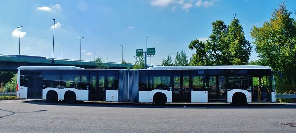 MB CapaCity L, které bude jezdit v Česku poprvé na pravidelné lince (foto: Zdeněk Nesveda)