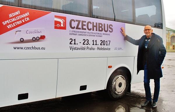 Jan Novotný s prvním exponátem pro CZECHBUS 2017 zve na jediný český dopravní veletrh (foto: Zdeněk Nesveda)