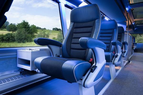 Při konfiguraci sedadel 1+1 zde najde místo pro relaxaci a regeneraci celkem 20 hráčů (foto: MAN Truck & Bus )