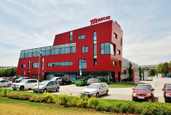 Jedno z nejmodernějších servisních středisek v Evropě TURANCAR. OmniPlus opravy a servis autobusů značky Mercedes – Benz a Setra. (foto: Zdeněk Nesveda – BusPress)