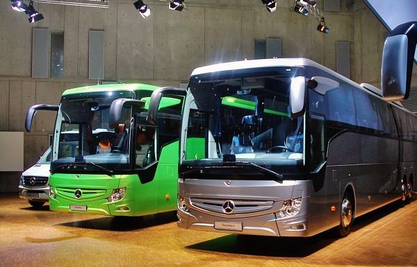 Nové autokary Mercedes - Benz Tourismo RHD a Tourismo RHD L ve Stuttgartu (foto: Zdeněk Nesveda