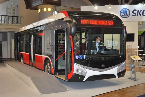Nový elektrický autobus SOR NS 12 poprvé představený na veletrhu CZECHBUS 2016 v Praze (foto: Zdeněk Nesveda)