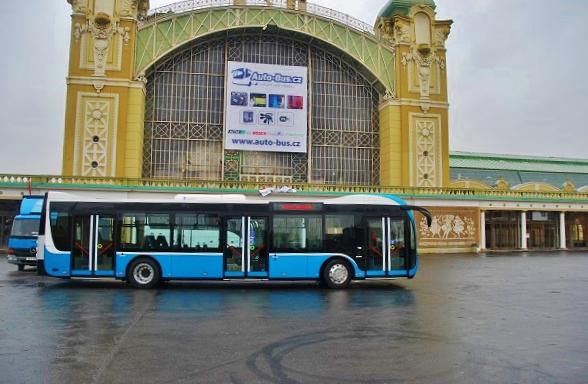 Jeden z hitů letošního veletrhu Czechbus, očekáváný dieselový autobus SOR nové generace. (foto: Zdeněk Nesveda)