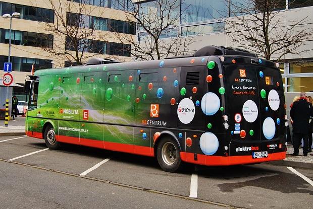 Elektrobusy SOR najely přes 70 tisíc kilometrů. Elektrobusy mají velmi tichý chod (foto: Zdeněk Nesveda)