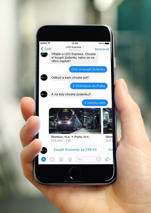 """Stačí, aby zákazník na Facebooku společnosti zvolil možnost """"Koupit jízdenku"""" a začal komunikovat s chatbotem (foto: LEO Express)"""