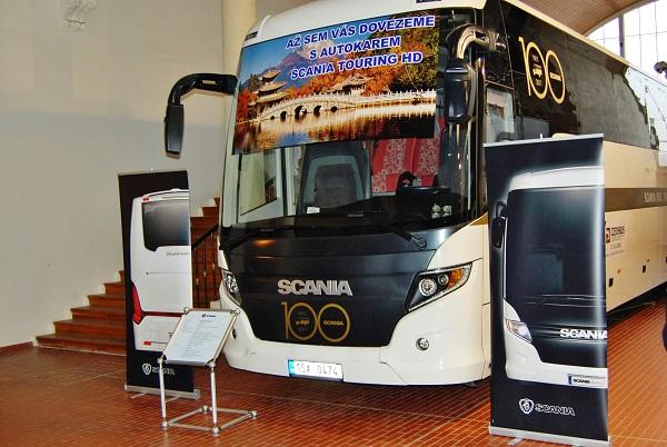 Scania na prvním ročníku veletrhu CZECHBUS 2011 s největší expozicí (foto: Zdeněk Nesveda)