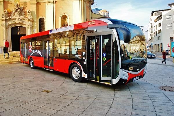 Elektrobusy SOR NS 12 electric v Bratislavě (foto: Zdeněk Nesveda)