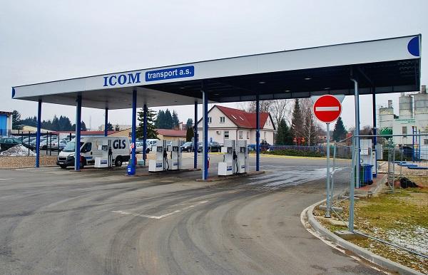 Veřejná čerpací stanice v areálu ICOM transport v Humpolci pro autobusy a nákladní auta (foto: Zdeněk Nesveda)
