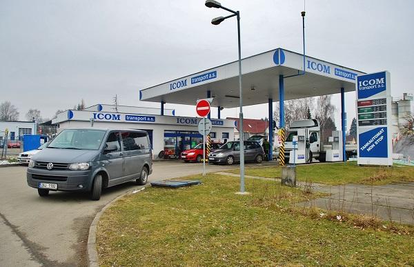 Veřejná čerpací stanice v areálu ICOM transport v Humpolci pro osobní auta (foto: Zdeněk Nesveda)