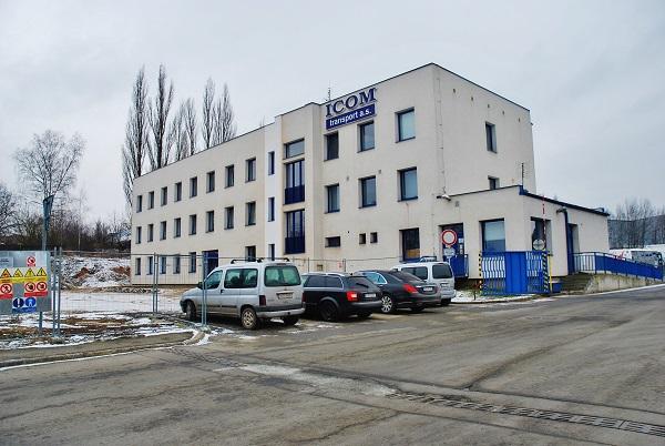 Autobusová nástupiště se zde začnou budovat na jaře 2018 (foto: Zdeněk Nesveda)