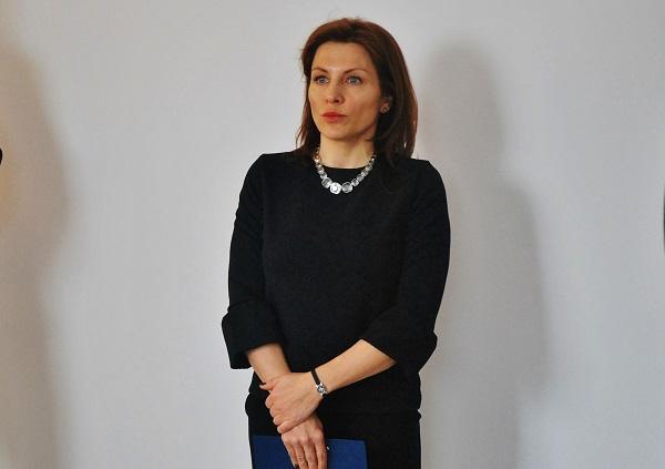 Kateřina Kratochvílová mluví před novináři o perspektivách společnosti ICOM transport (Zdeněk Nesveda)