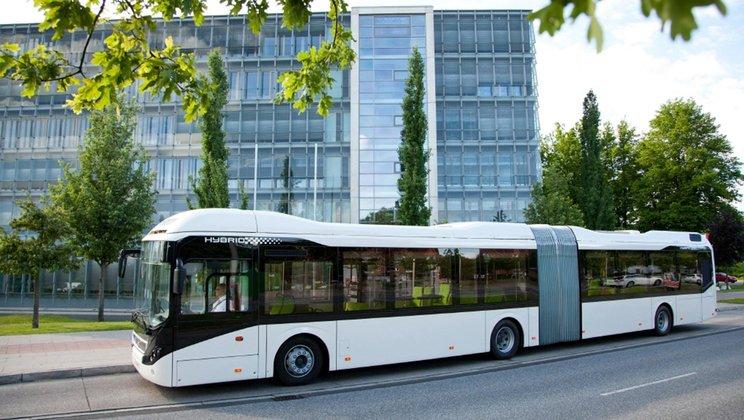 12 kloubových hybridních autobusů Volvo 7900 bude jezdit v Krakově (foto: Volvo Buses)