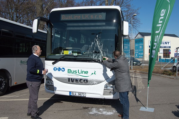Radek Chobot a Ivan Vyskočil pokřtili nové autobusy (foto: Busline)