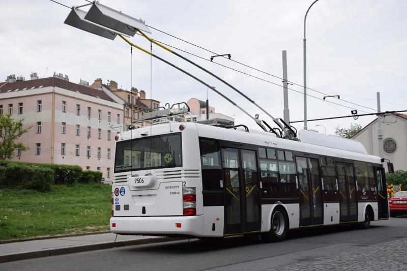 Byl zahájen zkušební provoz nového vozidla Škoda 30Tr. (foto: DPP)