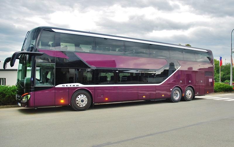 Vlajková loď koncernu Daimler Busess Setra 531 DT TopClass, i její cesta na svět začala u nás v Holýšově. (foto: Zdeněk Nesveda)