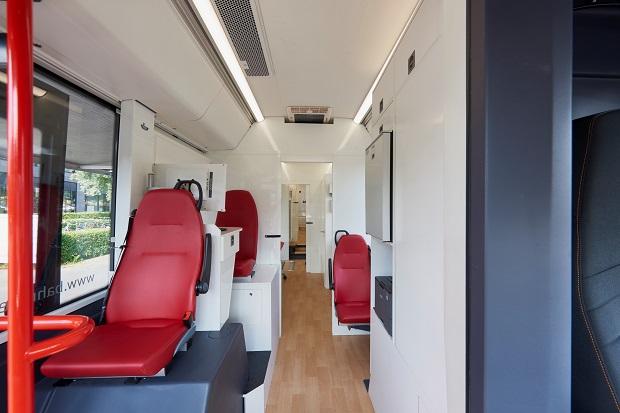 Medibus: Interiér je rozdělený na čtyři samostatná pracoviště (foto: VDL)