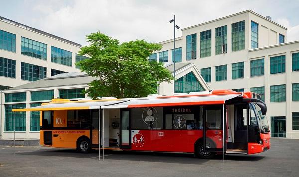 Medibus na podvozku městského nízkopodlažního autobusu VDL Citea LLE (foto: VDL)