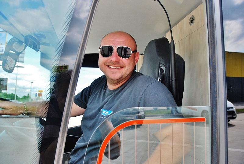 Martin Schlosser z VDL Bus & Coach odjíždí z prvního slovenského veletrhu BUS SHOW 2018 ( foto: Zdeněk Nesveda)