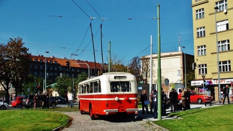 Historický trolejbus 8Tr ev. č. 494  (foto: DPP)
