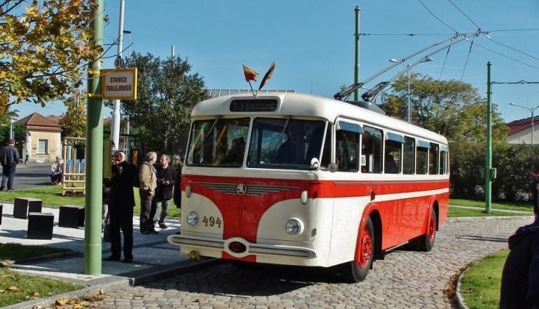 Historický trolejbus 8Tr ev. č. 494  (foto.:DPP)