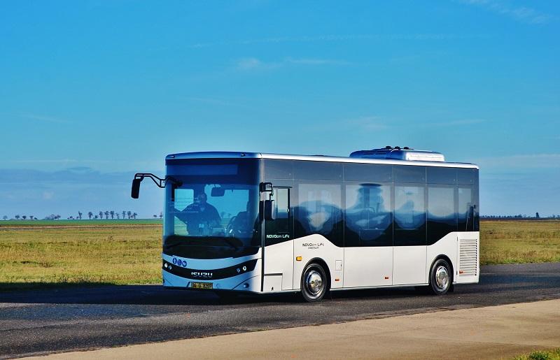 ISUZU NOVOCITI LIFE na testování na letišti v Panenském Týnci (foto: Zdeněk Nesveda)