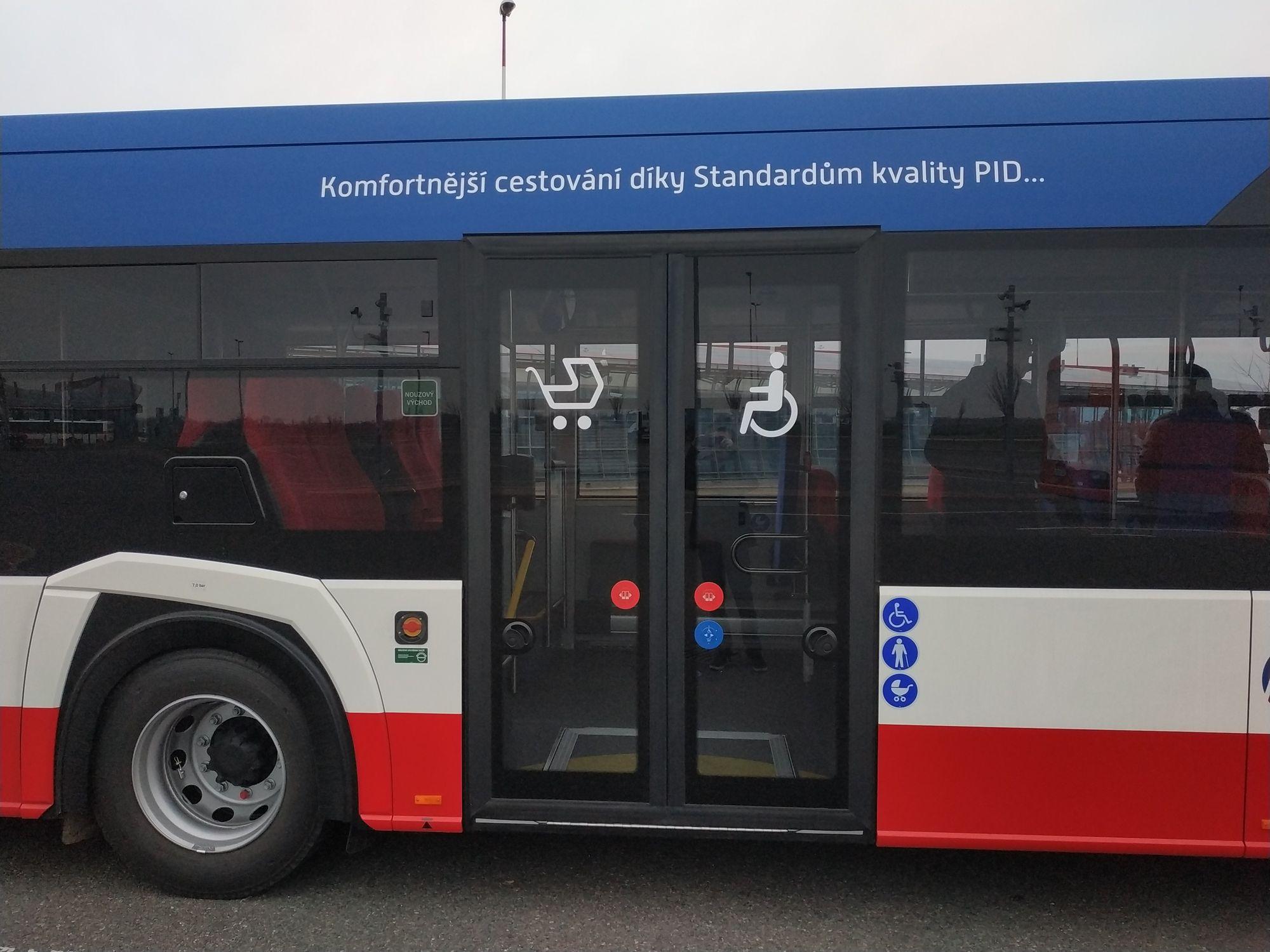 Autobusy nejnovější generace Solaris Urbino 18 jezdí ve Sředních Čechách
