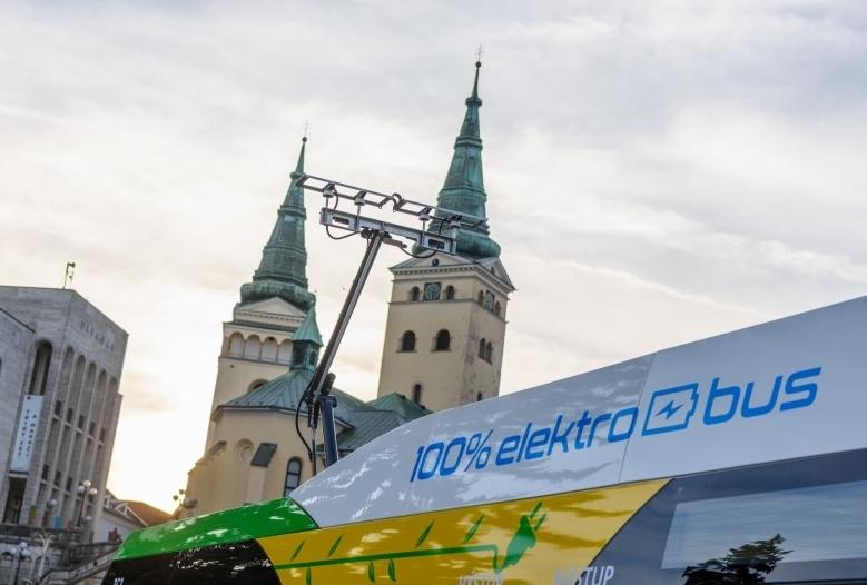 Dva nové elektrobusy ŠKODA Perun 26SH01 pro město Žilina (foto: DPMŽ)