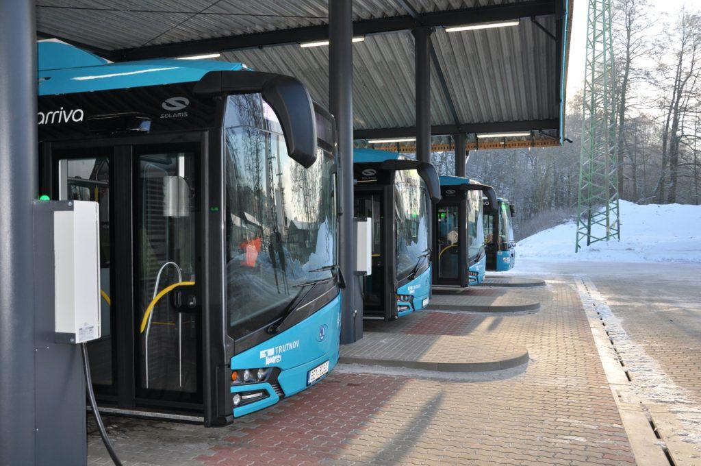Čtyři nové elektrobusy Škoda 26 BB v Trutnově (foto: Arriva)