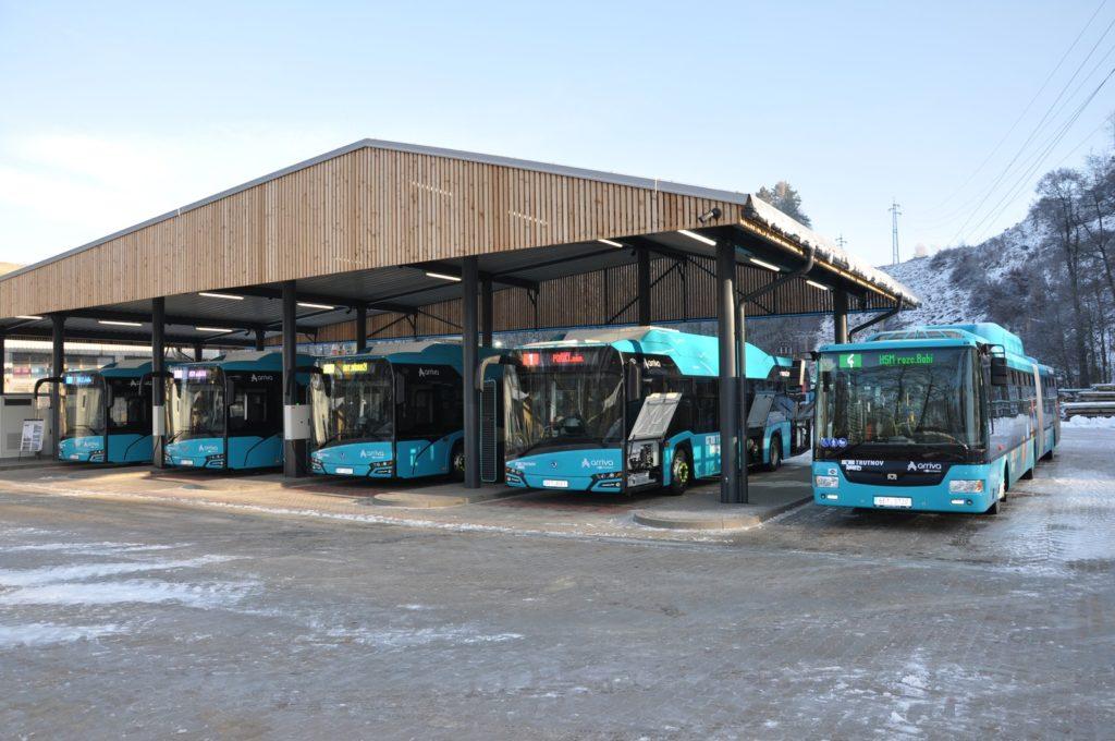 Sedm nových ekologických autobusů v Trutnově (foto: Arriva)