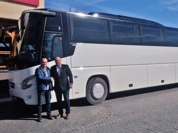 6.032019 Předání nového autobusu VDL Futura FHD2 129/450, Euro 6, firmě NITRANS MG, s.r.o., Nitra. Autobus osobně přebírá pan Michal Griesbach.