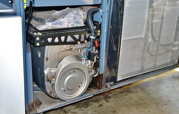 Luxusní autokar FHD2 129 -410 MX 2 2019 s kapacitou 53 + 1 +1 míst , motor DAF MX11 410 PS Euro 6, filtr pevných částic (foto: Zdeněk Nesveda)