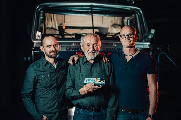 Zleva:Petr Holeček, Stanislav Synek člen původní expedice,  Marek Havlíček