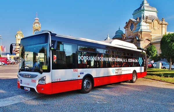 Městský autobus Iveco Urbanway s pohonem na stlačený zemní plyn (CNG) ilustrační foto: Zdeněk Nesveda