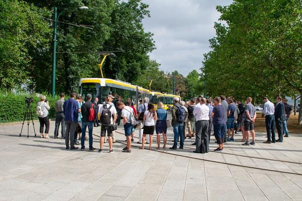 Do provozu zítra poprvé vyjedou 3 nové plně klimatizované a zcela nízkopodlažní tramvaje EVO2