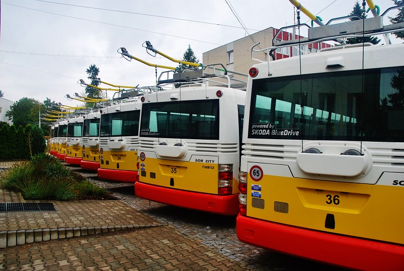 Flotila nových parciálních trolejbusů Škoda - SOR v Dopravním podniku města Hradci Králové (foto: Zdeněk Nesveda)