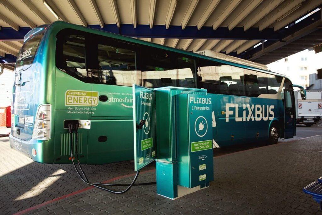 Autobus  FlixBus s palivovými články