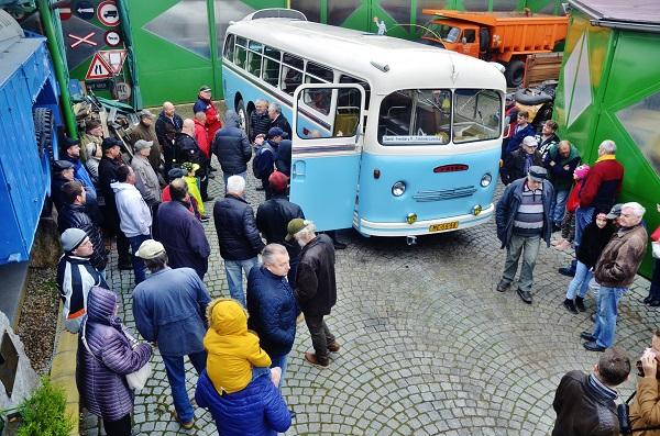 Slavnostní křest autobusu TATRA 500 HB 9. 11. 2019 v Muzeu Tatra 111 v Dobříči za velkého zájmu přátel a příznivců (foto: Zdeněk Nesveda)
