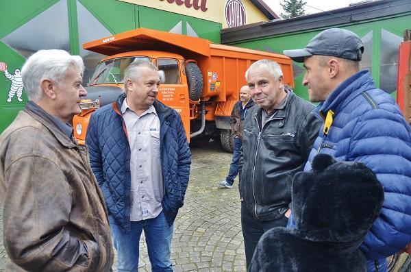RTO klub také přišel popřát, zleva: Jarda Čuřík, Libor Andrlík, Martin Uher a Michal Zubr. (foto: Zdeněk Nesveda)