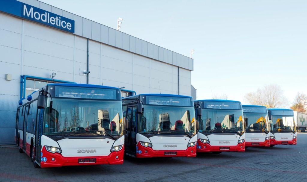 šest nových autobusů Scania Citywide LF