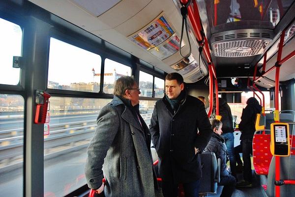 Ing. Milan Urban, generální ředitel DPB a Ing. Martin Rybanský, ředitel divize Autobusy DPB (foto: Zdeněk Nesveda)