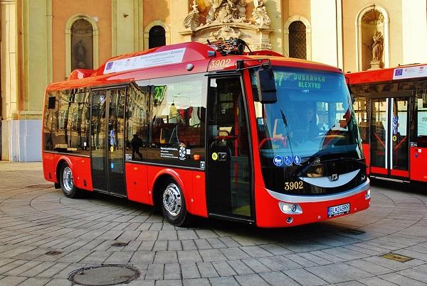Elektrobus SOR EBN 8 (foto: Zdeněk Nesveda)